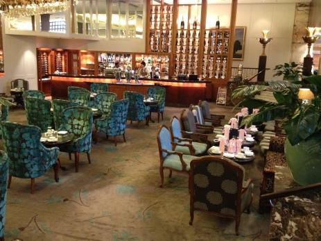 The Langham Auckland's elegant lounge/bar.