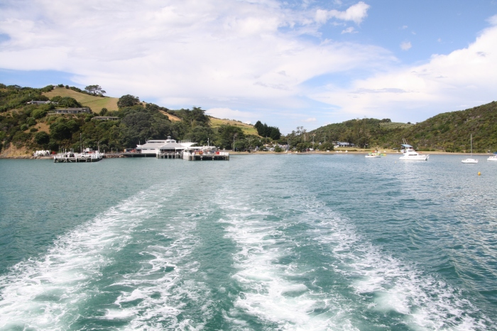 Leaving Matiatia Bay on the Waiheke ferry, Auckland bound.